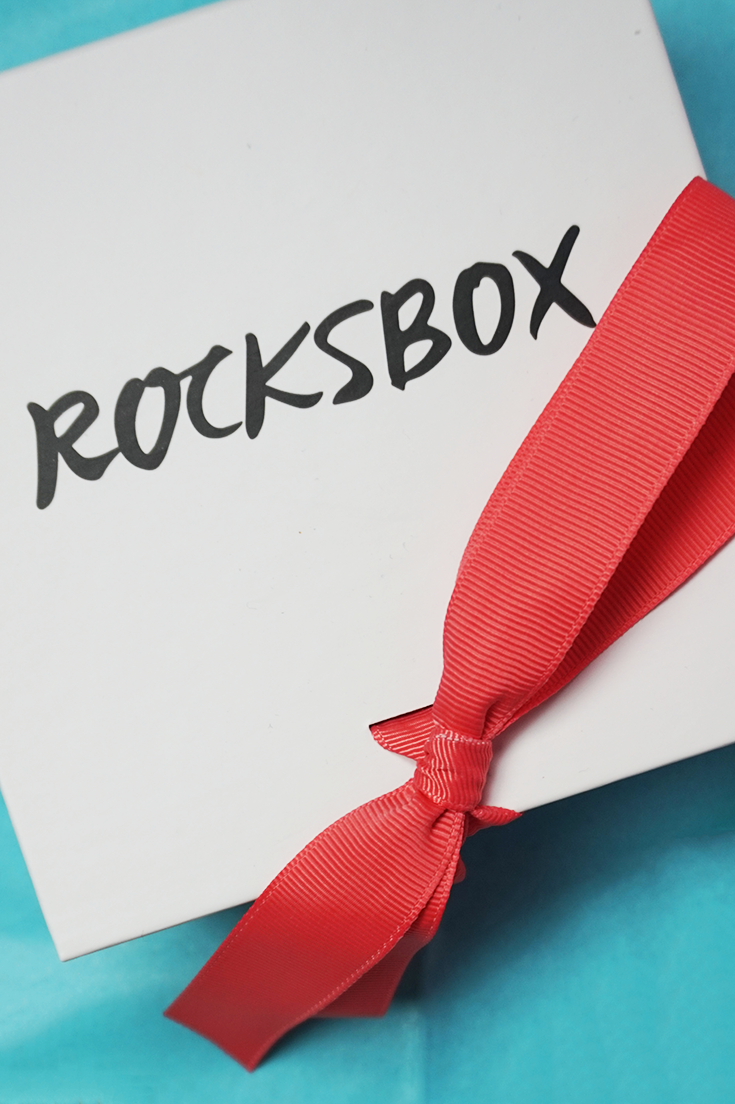 Rocksbox Subscription Box Review 2016 & Rocksbox Free Month Promo Code. For $19 a month, receive unlimited designer jewelry to your doorstep.